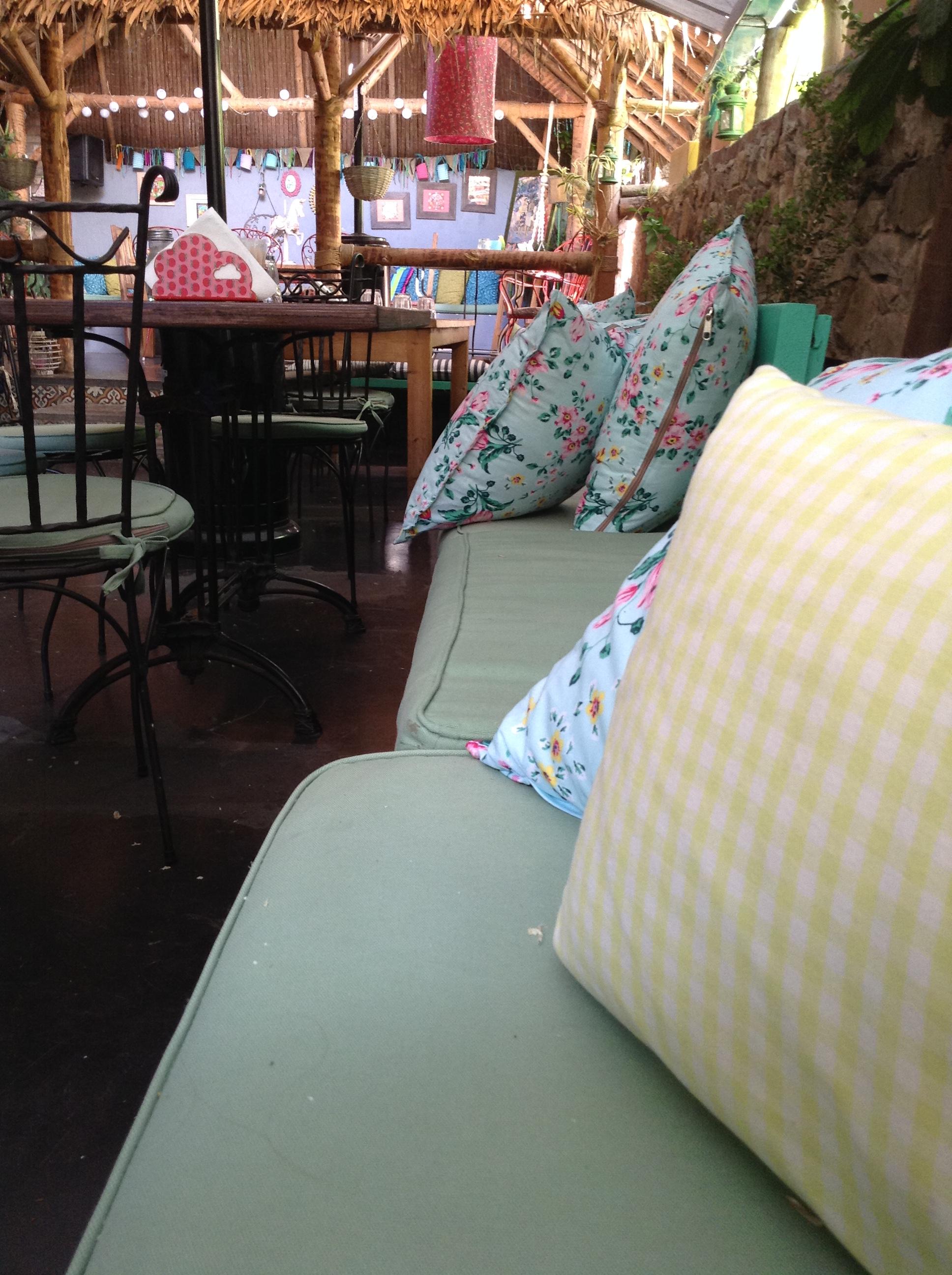 {.k.} Blog ~Decor Interiors & more ~ Akamatra
