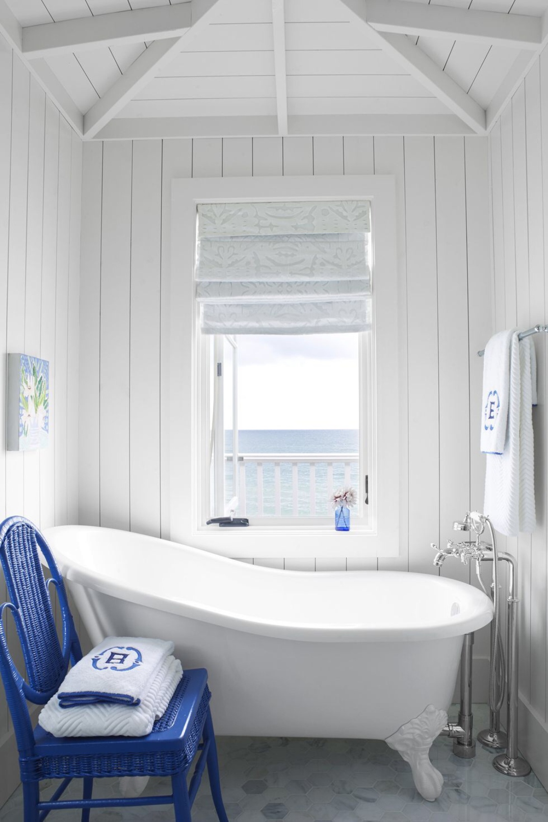 Bathtub_bathroom_blue_and_white_vintage_Article_from_House_Beautiful_summer_home_in_Ludington_Michigan_decor_decoration_blue_white_beach_decor_interiors_and_more_vacations_980_1469.jpg
