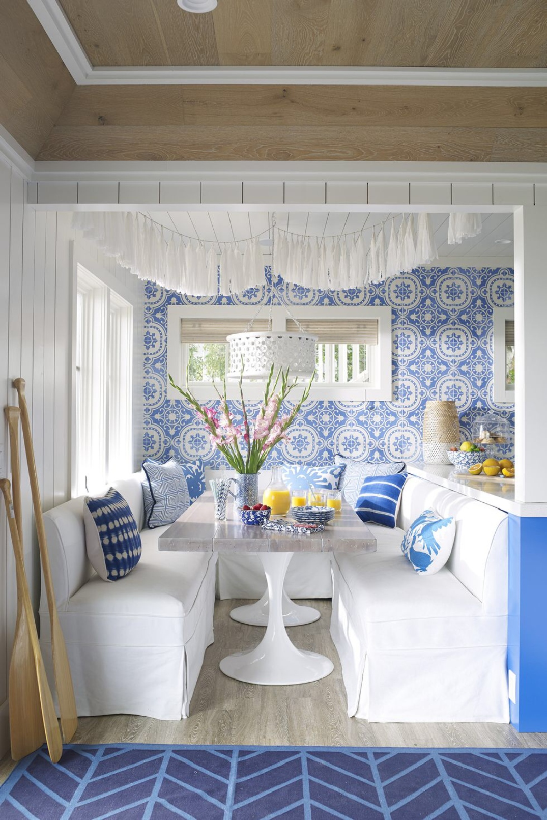 breakfast_room_table_bench_Article_from_House_Beautiful_summer_home_in_Ludington_Michigan_decor_decoration_blue_white_beach_decor_interiors_and_more_vacations.jpg