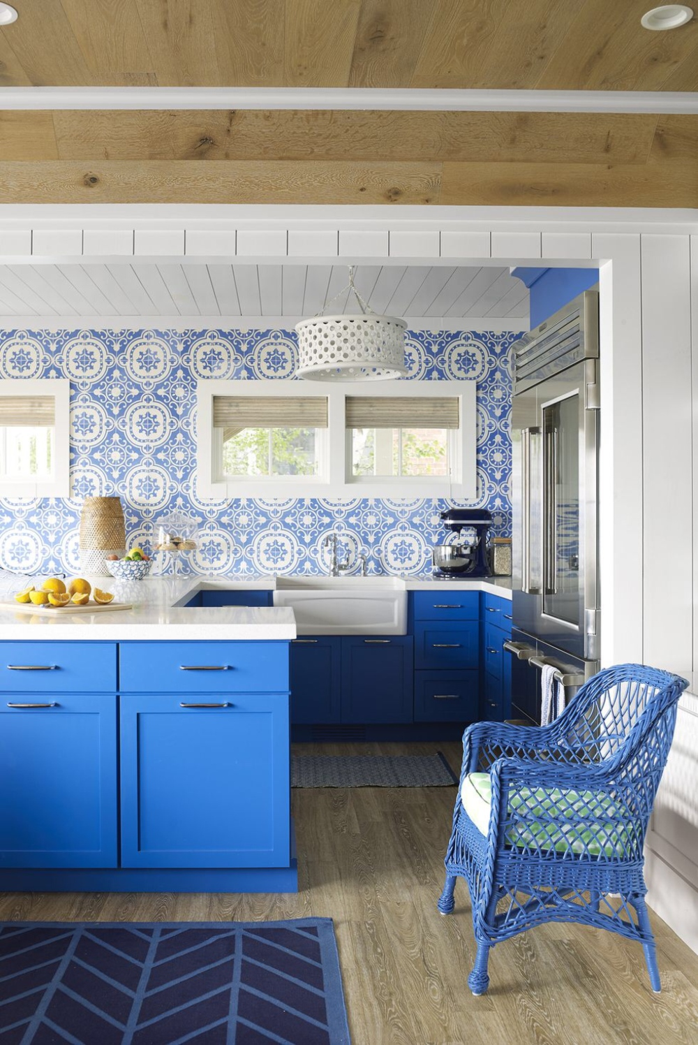 Kitchen_home_decor_Article_from_House_Beautiful_summer_home_in_Ludington_Michigan_decor_decoration_blue_white_beach_decor_interiors_and_more_vacations_980_1467.jpg