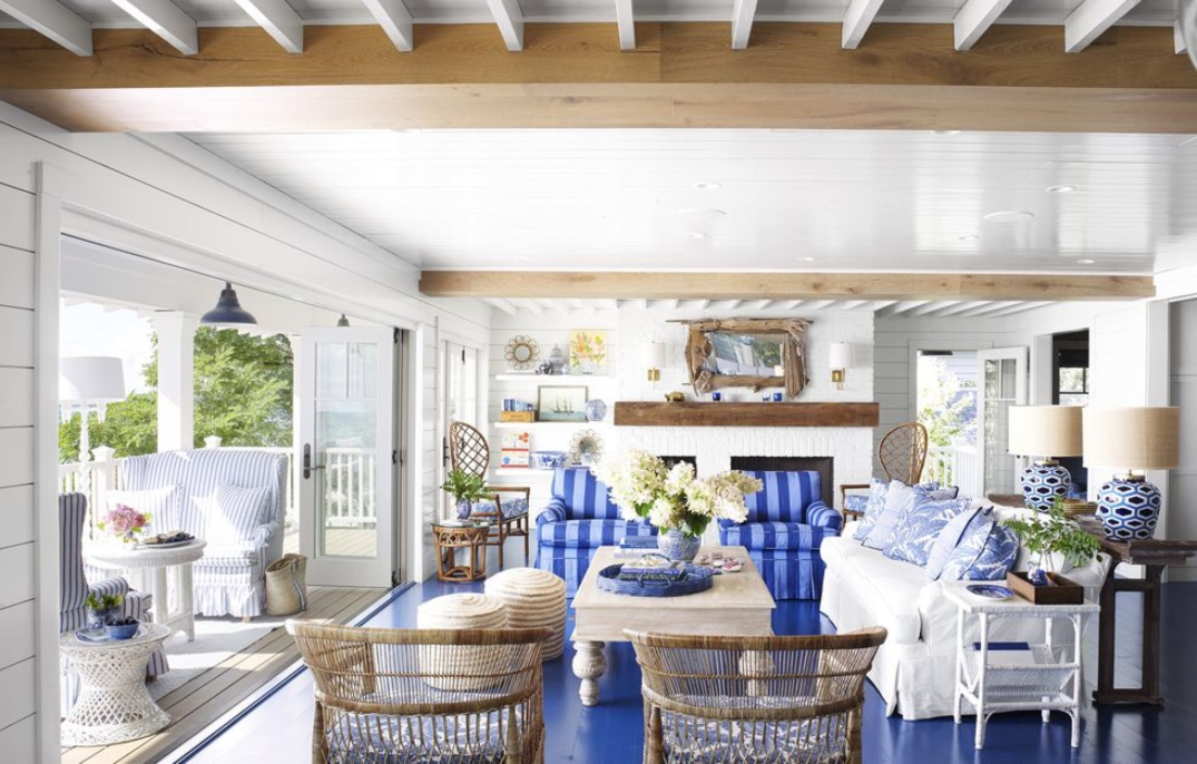 Living_room_blue_and_white_sofa_Article_from_House_Beautiful_summer_home_in_Ludington_Michigan_decor_decoration_blue_white_beach_decor_interiors_and_more_vacations.jpg